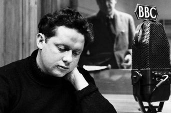 dylan-thomas-in-a-recording-studio