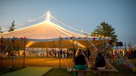 hay-festival-open-sided-tent-in-the-evening